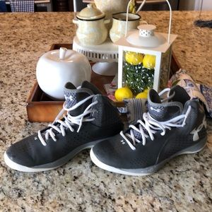 Under Armour gray high tops Size 8.5